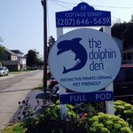 The Dolphin Den Foto