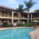 Photo de BEST WESTERN San Dimas Hotel & Suites