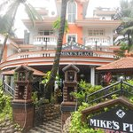 Mike's Place resmi