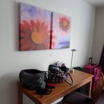 Photo de Premier Inn London Gatwick Airport Manor Royal