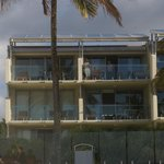 Fairshore Beachfront Apartmentsの写真