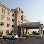 صورة فوتوغرافية لـ ‪Holiday Inn Express Hotel & Suites Rockford - Loves Park‬