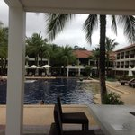 The Briza Beach Resort resmi