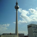 Photo de Motel One Berlin - Alexanderplatz