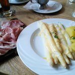 White asparagus with perfect hollandaisse.