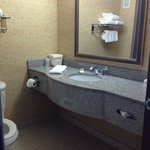 Photo de Holiday Inn Express Syracuse / Fairgrounds