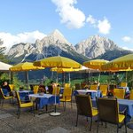 Photo de Sporthotel Zugspitze
