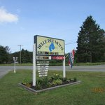 Belle Isle Motel Sign