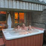 Eagle Lodge and Wonderful Hot Tub!