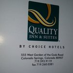 صورة فوتوغرافية لـ ‪Quality Inn & Suites, Garden of the Gods‬
