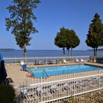 Westwood Shores Waterfront Resort resmi