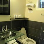 4 piece bathroom with modern and clean facilities.