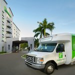 Complementary Miami International Airport Shuttle