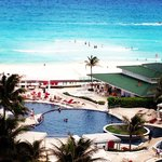 Sandos Cancun Luxury Experience Resort resmi