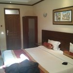 Photo de PrideInn Hotel Raphta Suites