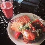 eggs Salmone with a strawberry & Banana smoothie :))