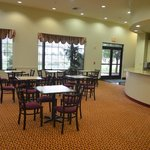 Photo de Ashmore Inn & Suites