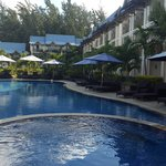 Pearle Beach Resort & Spa resmi