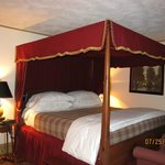 Foto van Timbercliffe Cottage Bed & Breakfast Inn