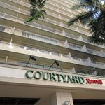 صورة فوتوغرافية لـ ‪Courtyard by Marriott Waikiki Beach‬