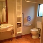 Access unit bathroom