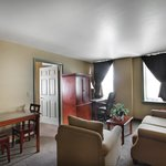 Foto de The Governor Dinwiddie Hotel & Suites