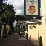 Dingle Benners Hotel resmi