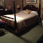 Bed & dresser - Avonlea room