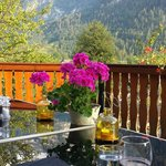Dining on the balcony with a view of the Dachstein mountains