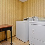 Photo de BEST WESTERN PLUS Windsor Suites