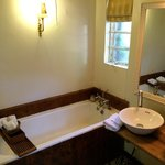 Karen Blixen Suite bathroom