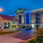 Photo of Holiday Inn Express Crestwood