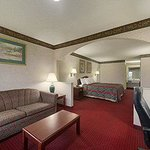 Foto van Days Inn & Suites Warner Robins