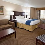 Photo of Holiday Inn Express Hotel & Suites Wadsworth