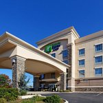 Holiday Inn Express Hotel & Suites Cookeville resmi