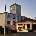 Foto de Holiday Inn Express Hotels And Suites Albermarle