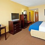 Photo de Holiday Inn Express Hotel & Suites Hillview