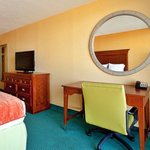 Photo de Holiday Inn Express Hotel & Suites Virginia Beach Oceanfront