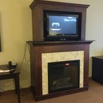 "32"" LCD HDTV w/ HDMI Hook-ups and Fireplace"