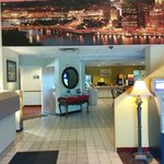 Days Inn Pittsburgh Airport resmi