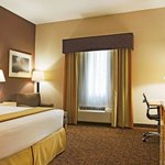 Photo de Holiday Inn Express Hotel & Suites Borger
