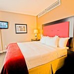 DoubleTree by Hilton Hotel Raleigh - Brownstone - University Foto