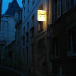 L'ingresso 'by night'