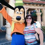 me and Goofy my fav Disney character
