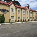 Microtel Inn & Suites by Wyndham Tarlac照片