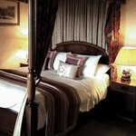 Four Poster Bed- Room 366