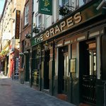 The Grapes, Liverpool