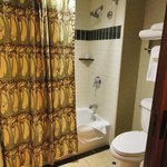 Watercloset / tub & shower