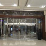 Photo de Pullman Dubai Deira City Centre
