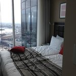 Photo de Meriton Serviced Apartments World Tower
